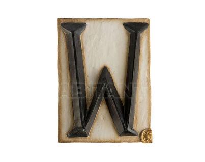 Панно Буква W (черно-белый)