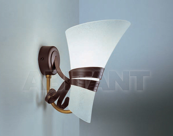 Купить Светильник настенный Irilux Neoclassica 291372
