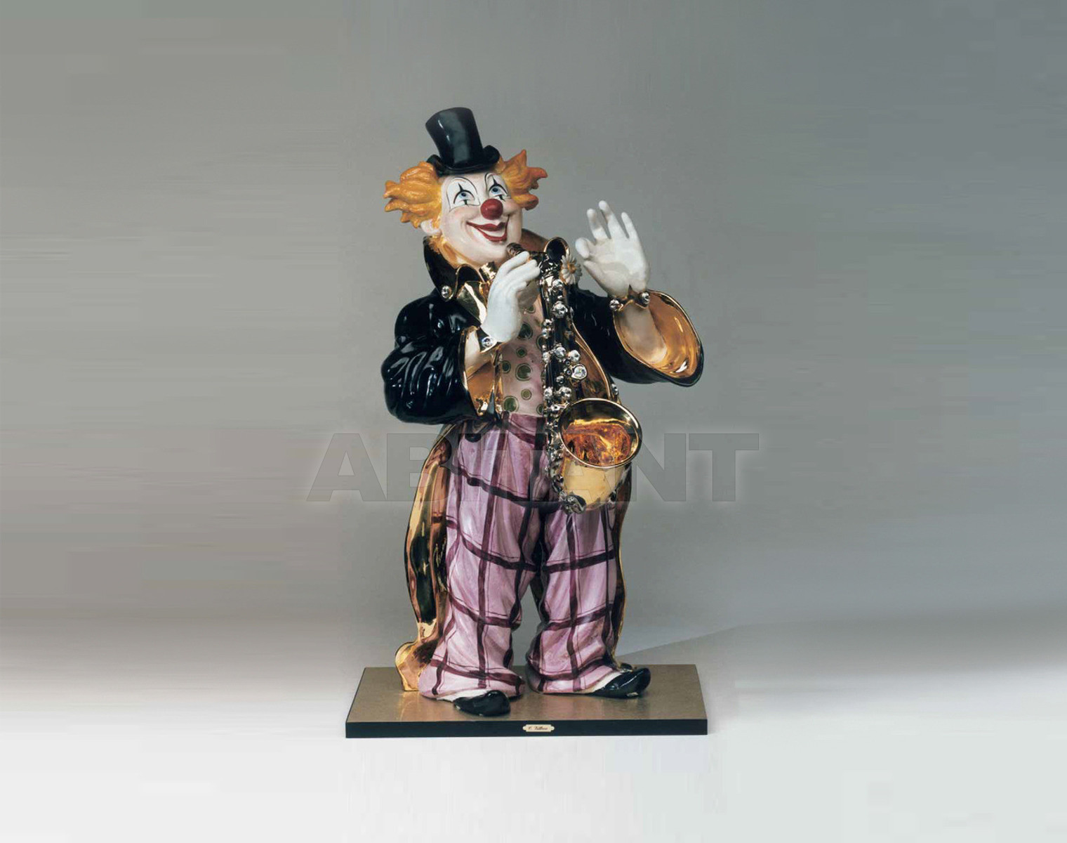 Купить Статуэтка OSCAR CLOWN SAXOPHONE Villari Gold 0001627-002