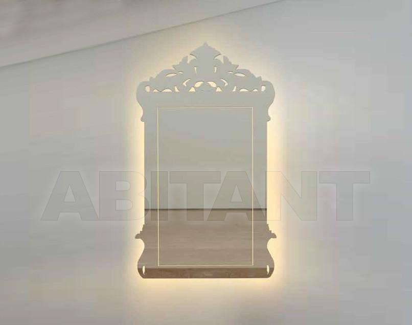 Купить Зеркало настенное Porada Twelve Madame LED