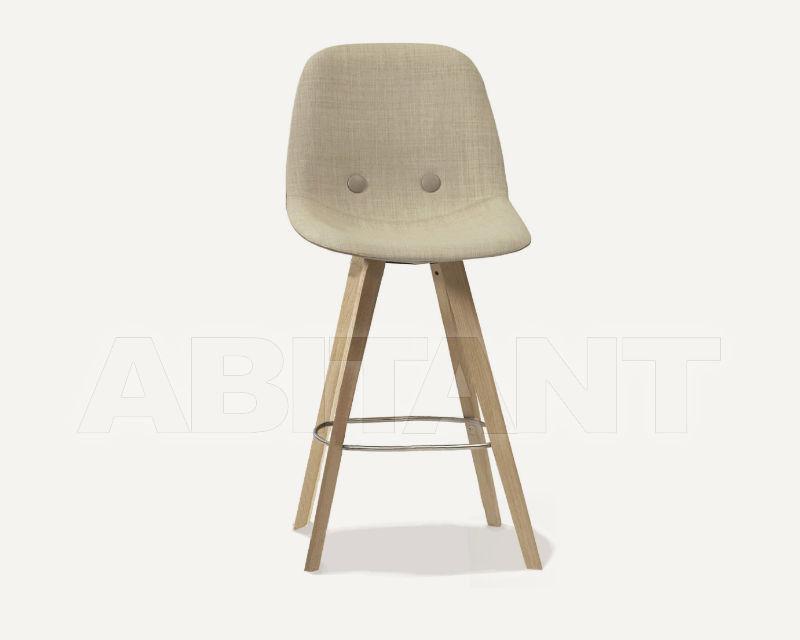 Купить Барный стул Eyes Wood Erik Jørgensen Møbelfabrik A/S CHAIRS EJ 2-B69-W